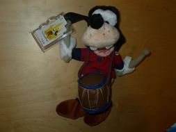 1999 Disney 4th of July GOOFY Fife & Drum Bean Bag Plush Stu